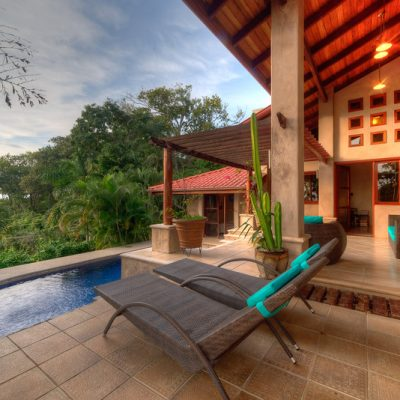 hotels with pools and seaside in Costa Rica
